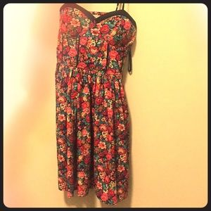 Band of Gypsies, sweetheart neck floral dress